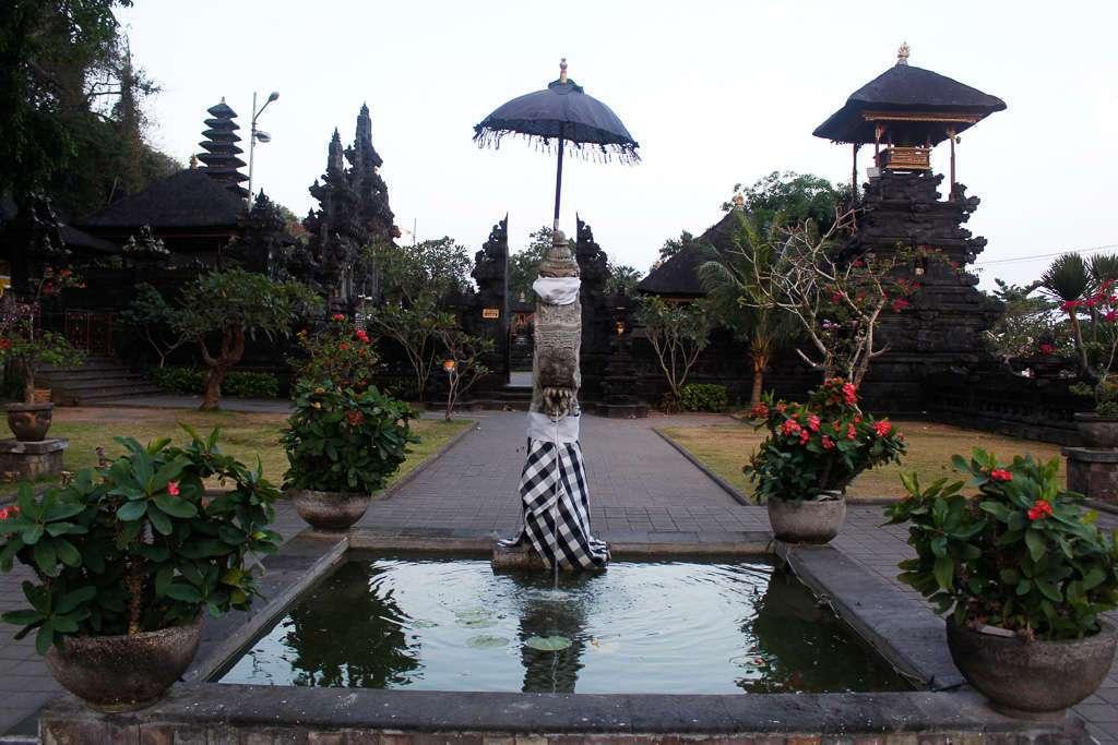 Vista general de Goa Lawah