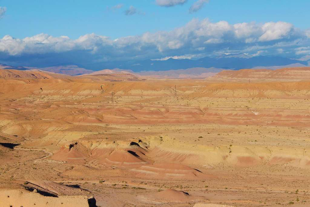 Vista de la hamada desde lo alto de la colina