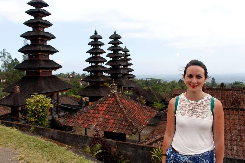 Lena en la parte superior de Pura Besakih (Bali)