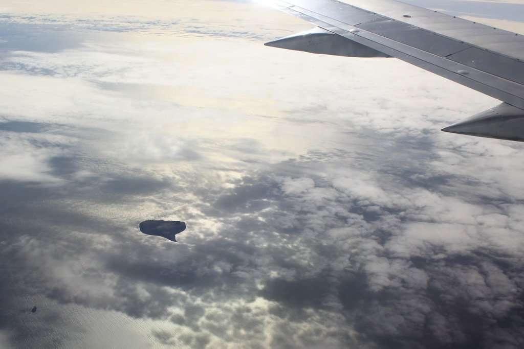 La isla Surtsey vista desde el avión