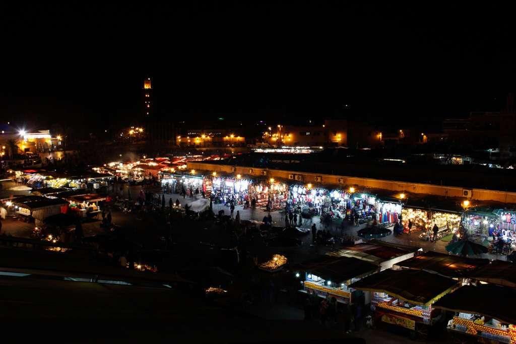 Vistas de la plaza Jemaa el-Fnaa desde la terraza del café de France