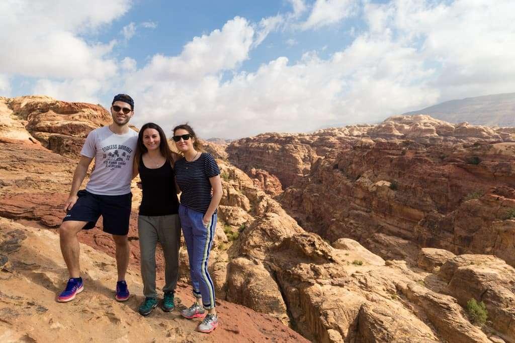 Foto de grupo desde lo alto del Siq