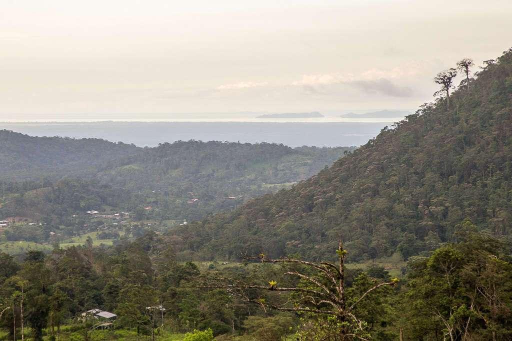 Vistas del volcán Miravalles y lago Nicaragua del Heliconias Lodge en Bijagua