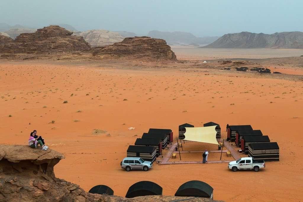 Vistas desde el Starlight Camp en Wadi Rum, Jordania