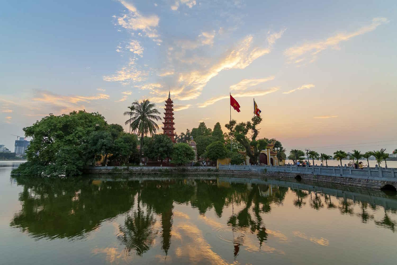 Pagoda de Tran Quoc en Hanoi, Vietnam