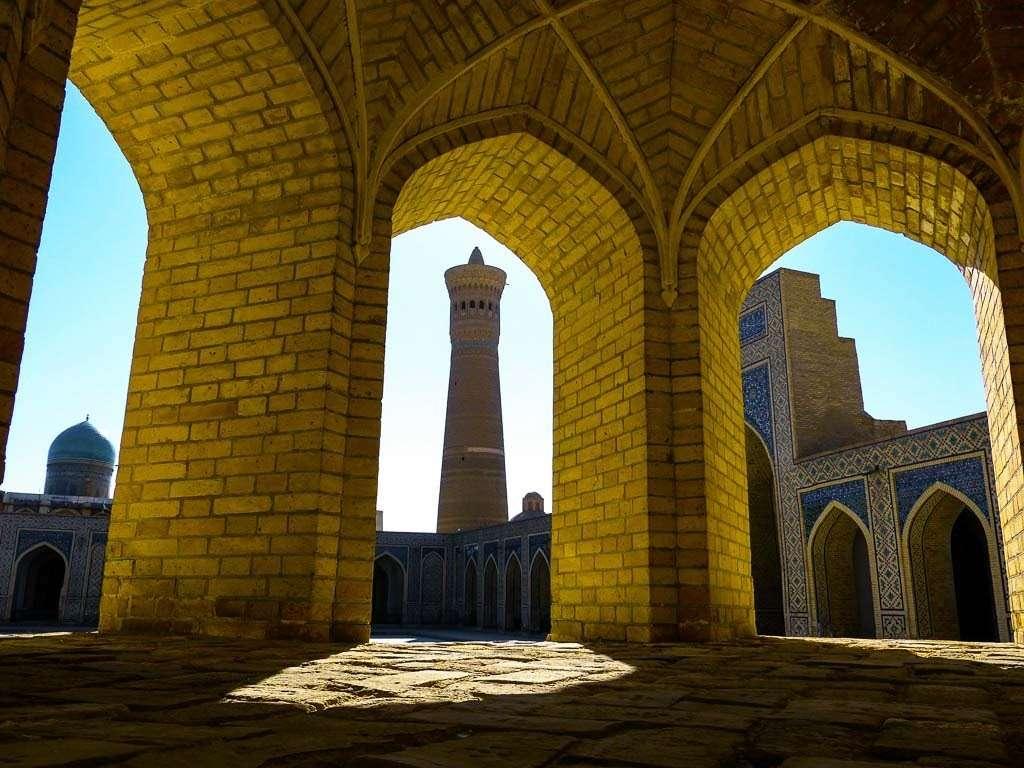 Minarete Kalon en Bujará, Uzbekistán
