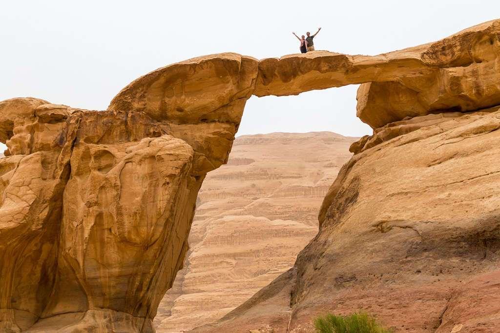 Juntos en Frouth Rock Bridge, Wadi Rum, Jordania