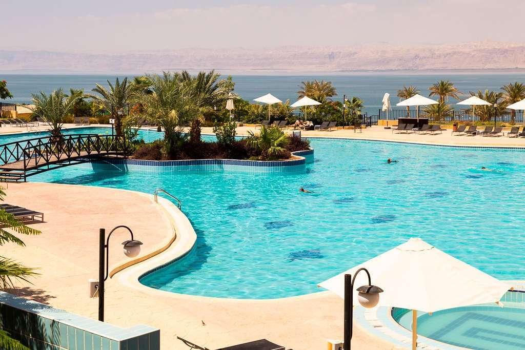 Piscina del Grand East Hotel - Resort & Spa en el mar Muerto, Jordania