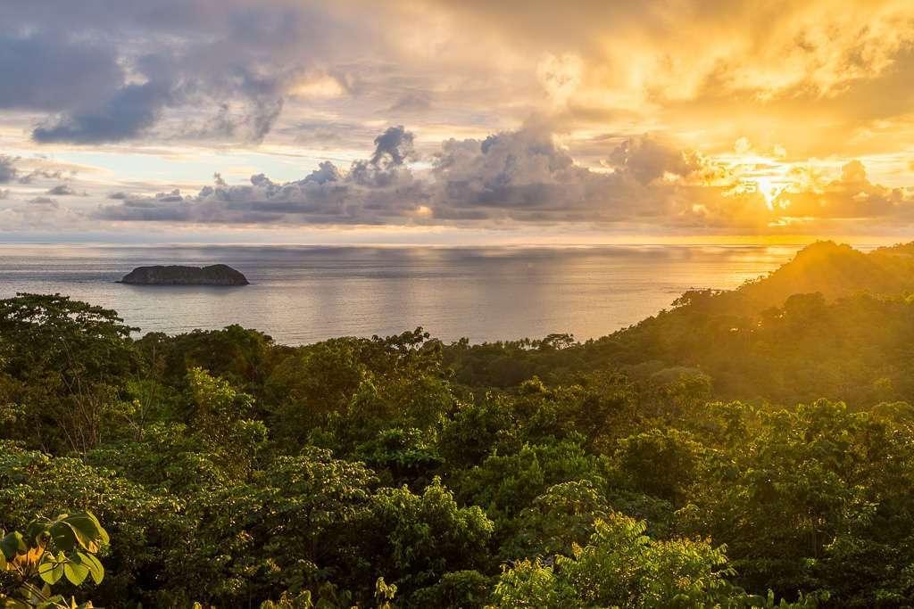 Atardecer desde el restaurante El Avión, Parque Nacional Manuel Antonio (Quepos), Costa Rica