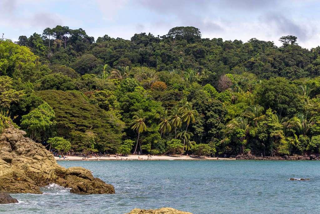 Vistas de la playa Manuel Antonio desde Punta Catedral, Costa Rica