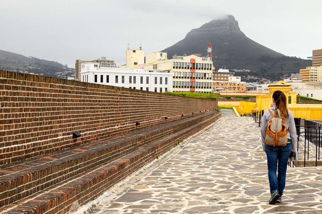 Paseo por las murallas del Castillo de Buena Esperanza, Ciudad del Cabo, Sudáfrica