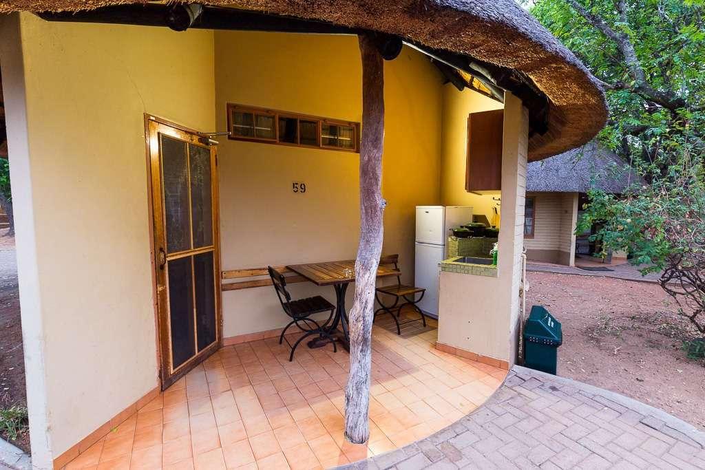 Terraza habitación campamento Skukuza, Kruger, Sudáfrica