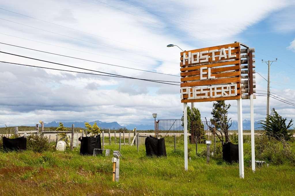 Cartel del hostal el Puestero, Puerto Natales