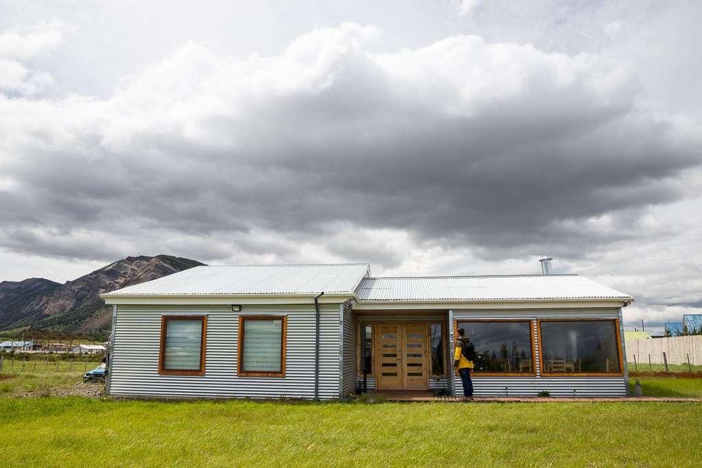 Entrada del hostal el Puestero, Puerto Natales