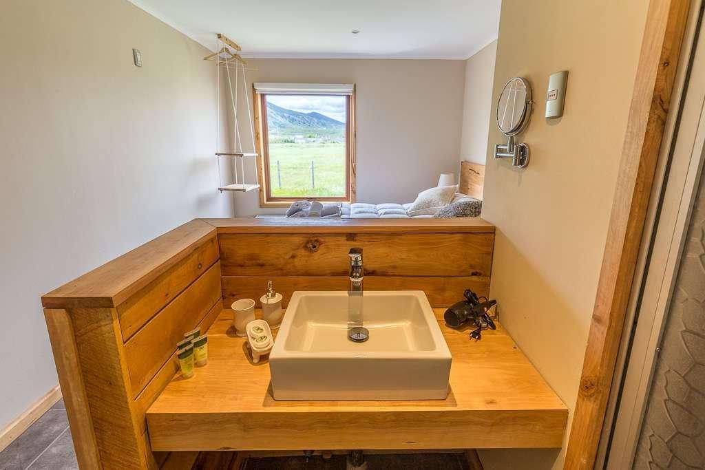 Lavabo de la habitación en el hostal el Puestero, Puerto Natales