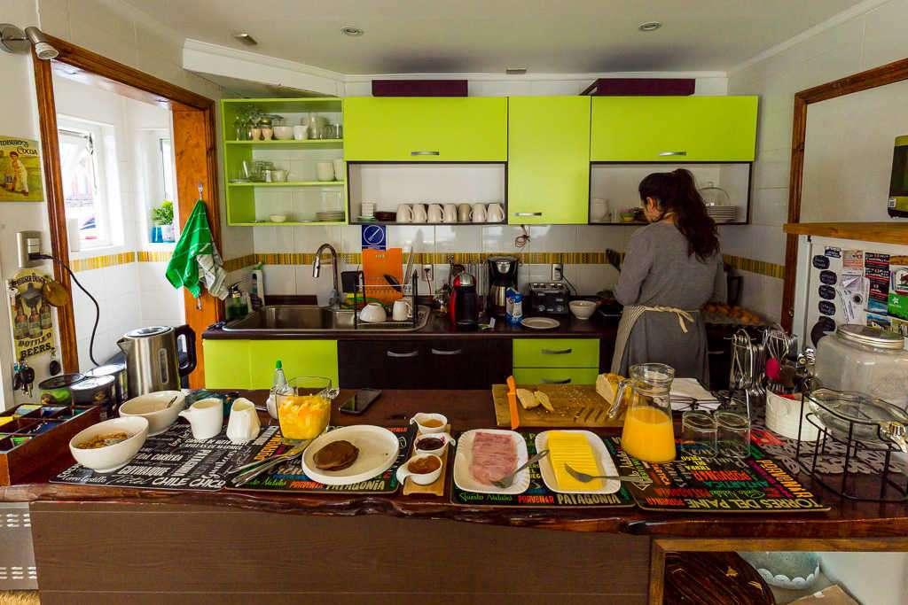 Cocina para del desayuno Casa Hostal Innata Patagonia, Punta Arenas, Chile