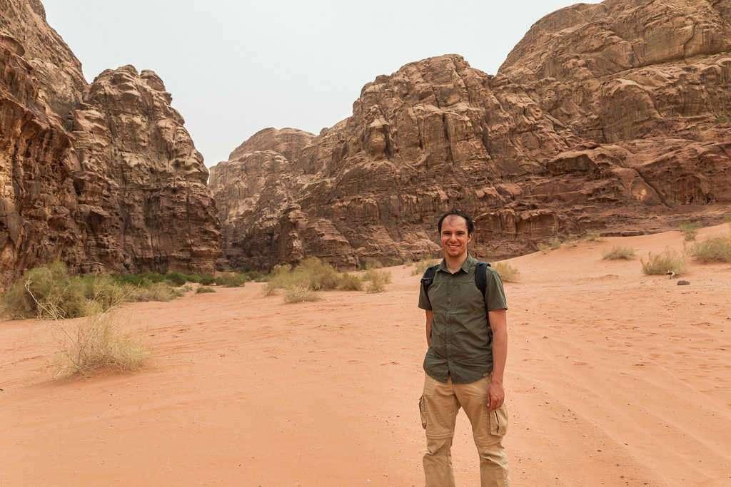 Inicio de la ruta por el desierto rojo, Wadi Rum, Jordania