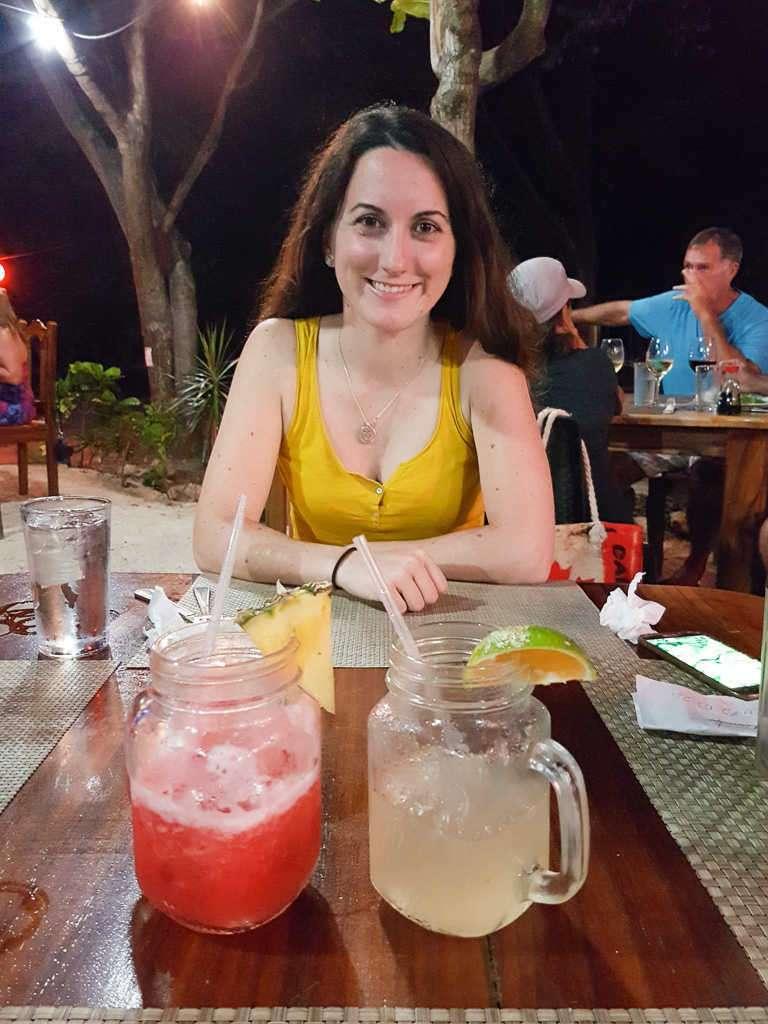 Jugos en el restaurante la Casita del marisco, Playa Hermosa, Guanacaste, Costa Rica