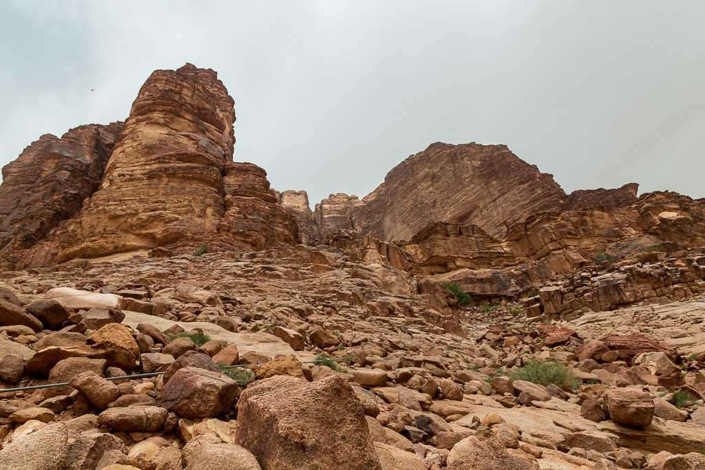 Subida a la fuente de Lawrence de Arabia, Wadi Rum, Jordania