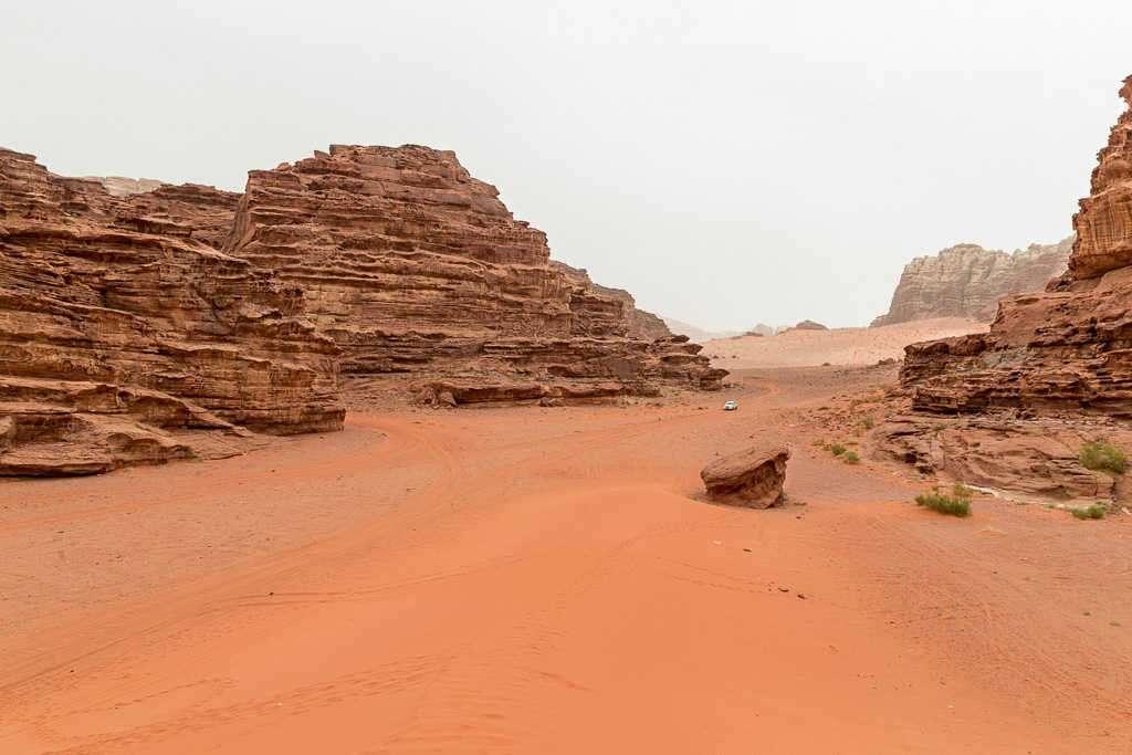 Bajada a la duna roja, Wadi Rum, Jordania