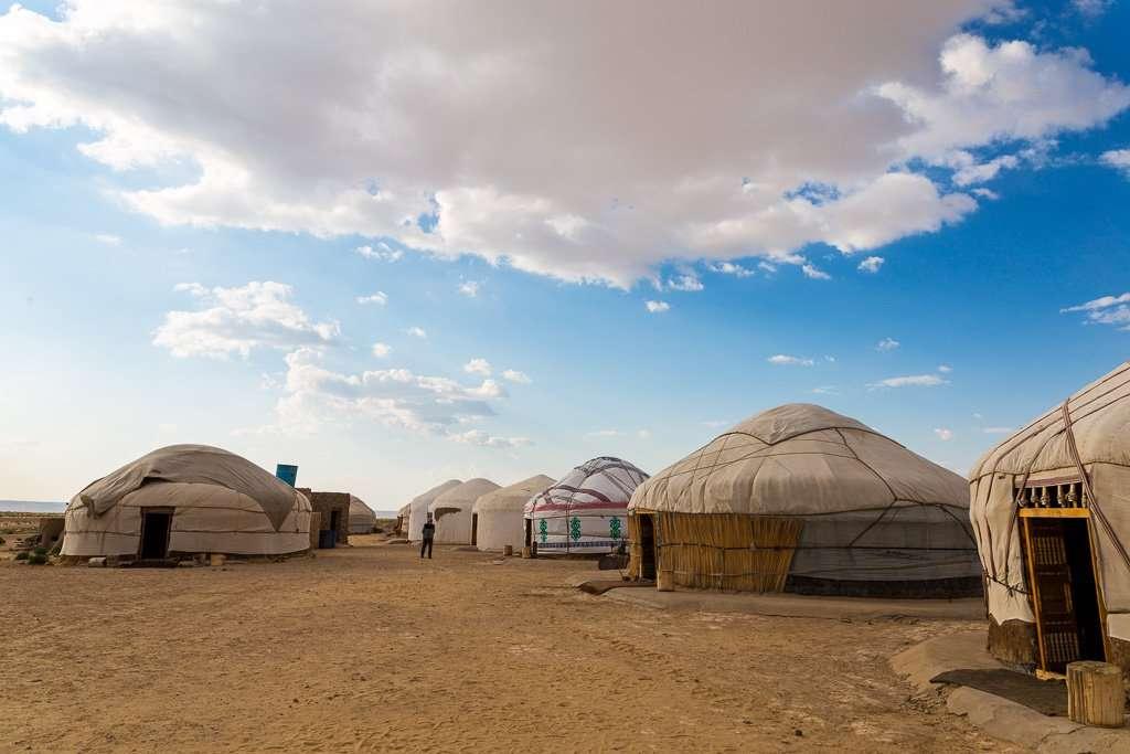 Yurtas cerca de Ayaz Kala, Uzbekistán