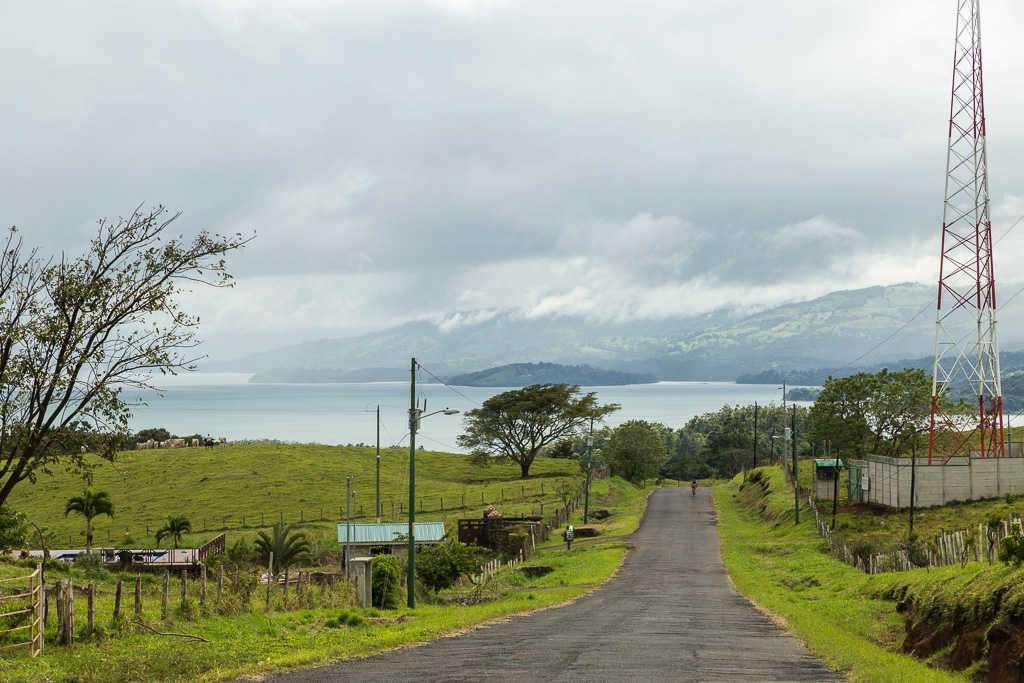 Carretera cerca del lago Arenal desde Bijagua hasta Arenal, Costa Rica