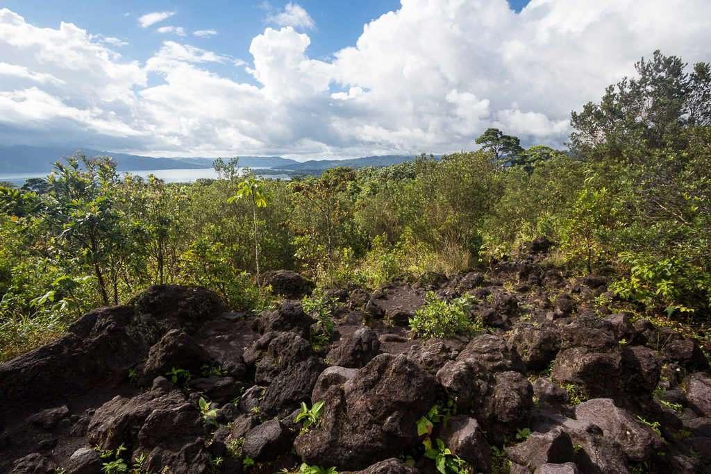 Vistas del lago Arenal desde el mirador de Las Coladas, Costa Rica