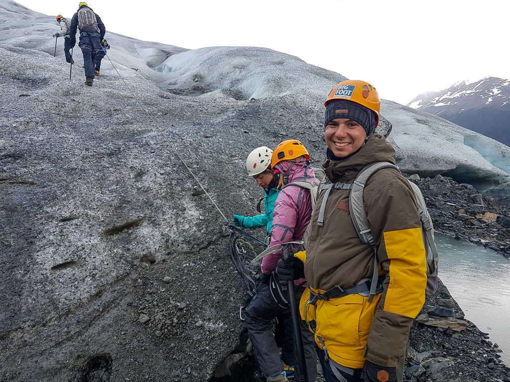 Inicio de la caminata sobre el hielo del glaciar Grey, Torres del Paine, Chile