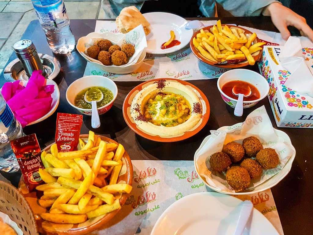 Cena en el Hashem Sons Restaurant, Aqaba, Jordania