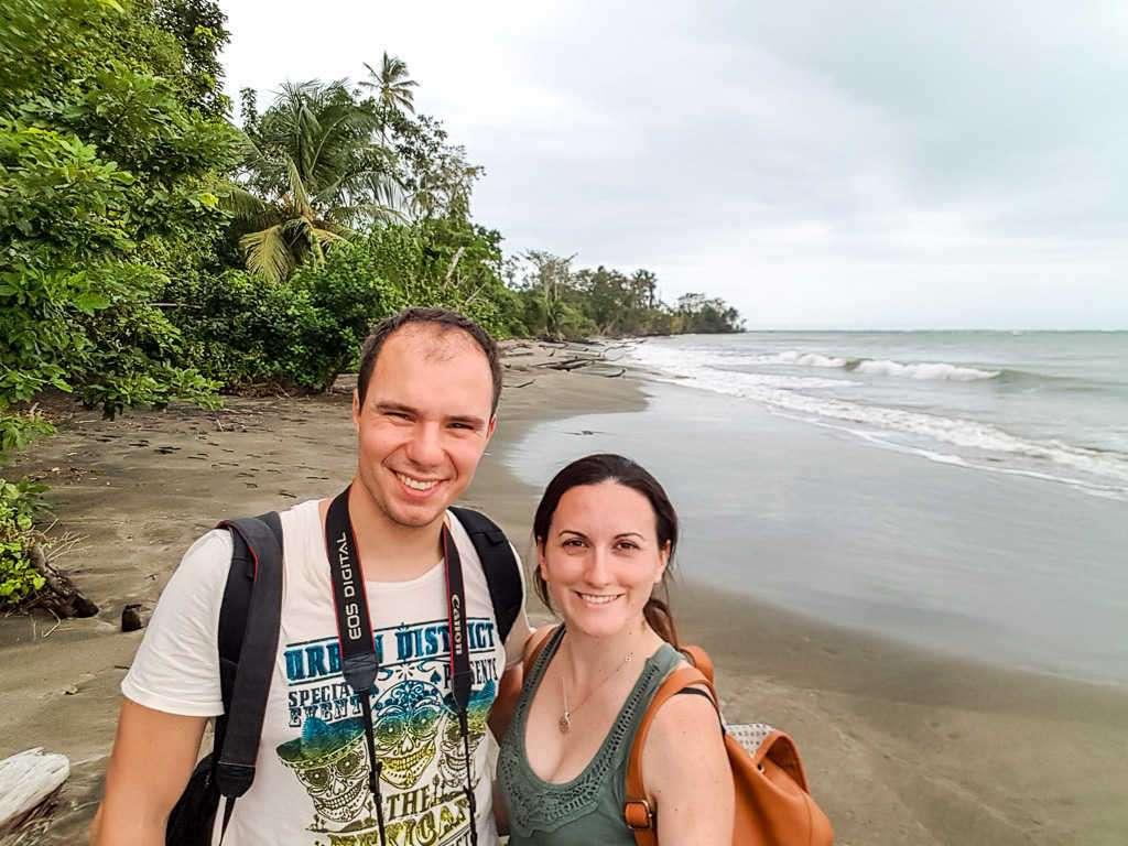 Nosotros en la playa Puerto Vargas, parque nacional Cahuita, Costa Rica