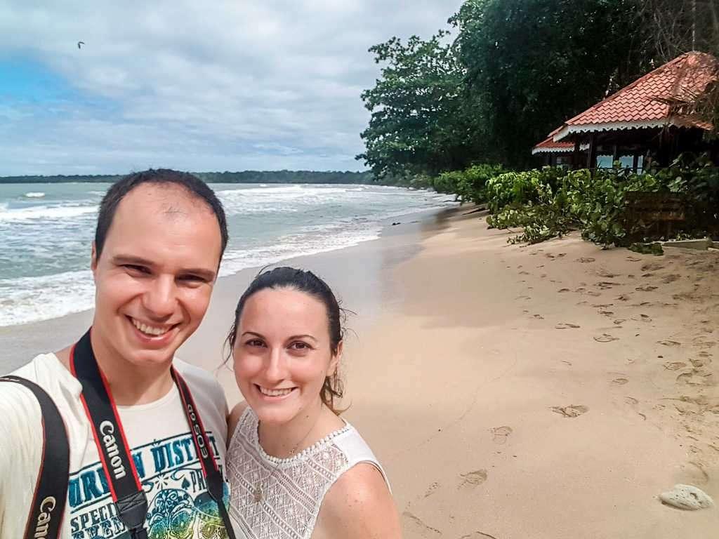 En playa Blanca, Cahuita, Costa Rica