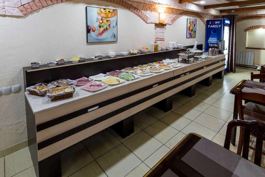 Desayuno Grand Art hotel, Tashkent, Uzbekistán